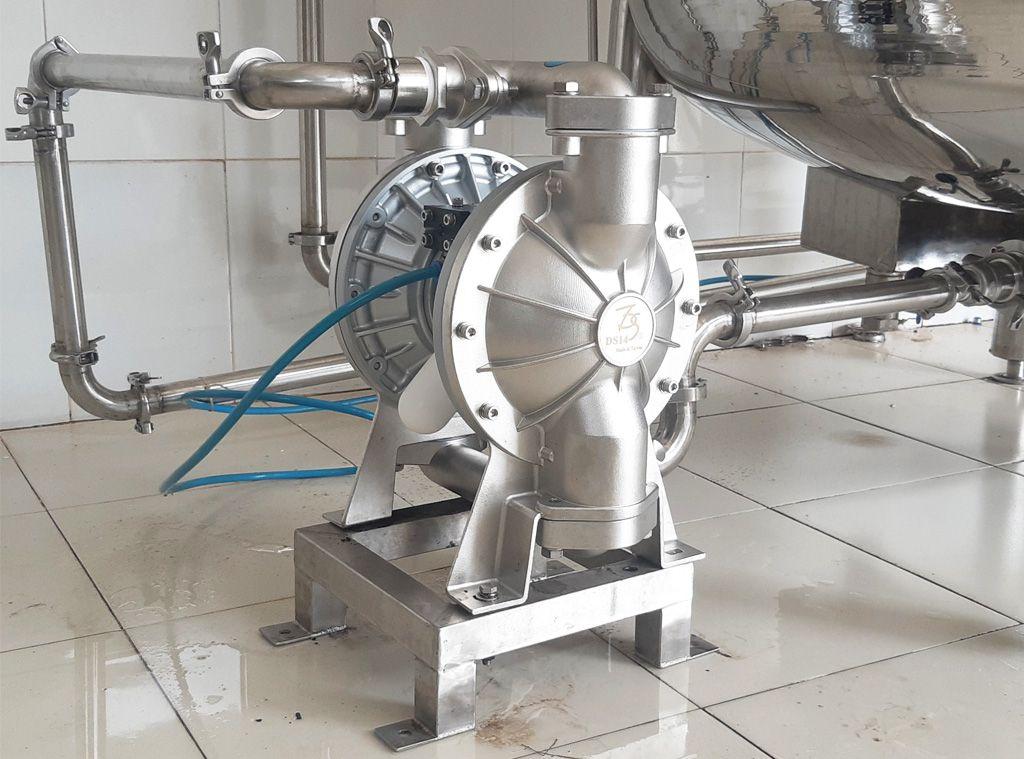 Ứng dụng của máy bơm màng thân Inox trong thực tế